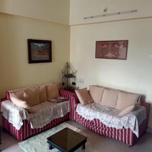 Gallery Cover Image of 600 Sq.ft 1 BHK Apartment for buy in Morya Crystal, Santacruz East for 14000000