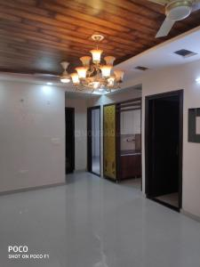 Gallery Cover Image of 1350 Sq.ft 3 BHK Apartment for buy in Niti Khand for 6140000