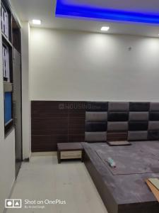 Gallery Cover Image of 1600 Sq.ft 3 BHK Apartment for rent in Sector 23 Dwarka for 35000