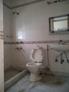 Bathroom Image of PG 3885331 Arjun Nagar in Arjun Nagar