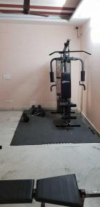 Gym Image of Swarg PG in Sector 62