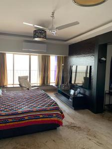 Gallery Cover Image of 650 Sq.ft 1 BHK Apartment for rent in Mira Road East for 17000
