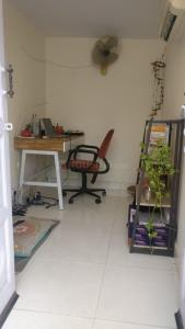 Gallery Cover Image of 900 Sq.ft 1 BHK Independent Floor for rent in Green Park for 28000