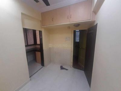 Gallery Cover Image of 550 Sq.ft 1 BHK Apartment for rent in Bandra East for 30000