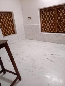 Gallery Cover Image of 400 Sq.ft 1 BHK Independent House for rent in Keshtopur for 5500