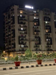 Gallery Cover Image of 1905 Sq.ft 3 BHK Apartment for rent in Khaja Guda for 45000