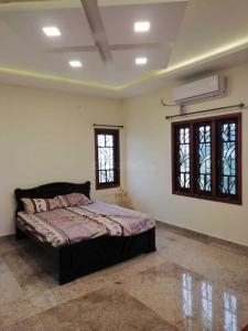Gallery Cover Image of 4200 Sq.ft 4 BHK Villa for rent in Avadi for 100000