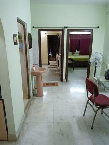 Gallery Cover Image of 900 Sq.ft 2 BHK Independent Floor for rent in Dum Dum for 10000