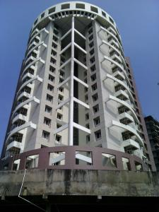 Gallery Cover Image of 1420 Sq.ft 2 BHK Apartment for buy in Presidency Flora, Attavar for 7810000