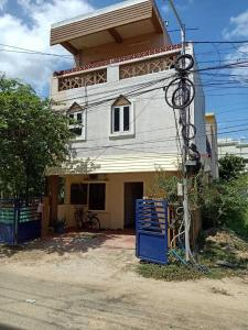 Gallery Cover Image of 2200 Sq.ft 4 BHK Independent House for buy in Ramapuram for 10000000
