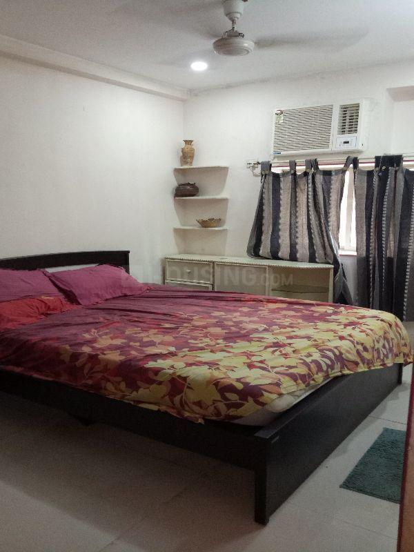 Bedroom Image of 750 Sq.ft 1 BHK Apartment for rent in Worli for 60000