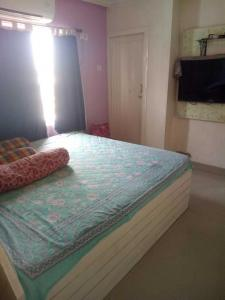 Gallery Cover Image of 1080 Sq.ft 2 BHK Apartment for rent in Kaikhali for 26000
