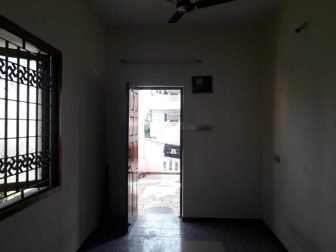 Living Room Image of 544 Sq.ft 1 BHK Apartment for rent in Thoraipakkam for 10000