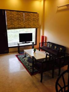 Gallery Cover Image of 1836 Sq.ft 3 BHK Independent Floor for buy in Sector 52 for 9500000