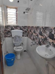 Gallery Cover Image of 1300 Sq.ft 3 BHK Apartment for rent in New Town for 17000