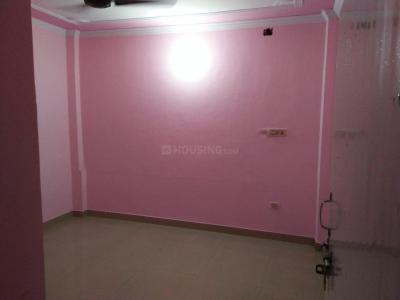 Gallery Cover Image of 500 Sq.ft 1 BHK Independent Floor for rent in Madangir for 10000