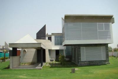 Gallery Cover Image of 4950 Sq.ft 4 BHK Villa for buy in Adalaj for 55000000