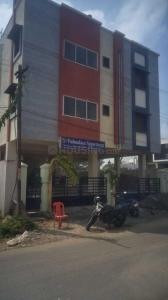 Gallery Cover Image of 917 Sq.ft 2 BHK Apartment for buy in Poonamallee for 2970000