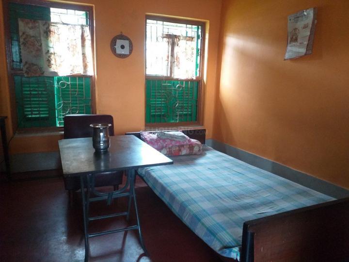 कालीघाट में बिस्वास पीजी के बेडरूम की तस्वीर