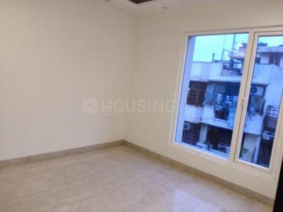 Gallery Cover Image of 1800 Sq.ft 3 BHK Apartment for buy in Patel Nagar for 23000000