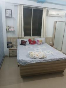Gallery Cover Image of 1585 Sq.ft 3 BHK Apartment for buy in Vandemataram Homes, New Ranip for 6000000