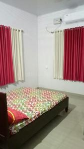 Gallery Cover Image of 1800 Sq.ft 3 BHK Independent House for buy in Thellakom for 5500000