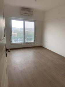 Gallery Cover Image of 1280 Sq.ft 3 BHK Apartment for buy in Kanakia Paris, Bandra East for 40000000