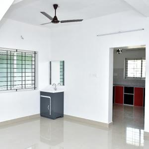 Gallery Cover Image of 800 Sq.ft 2 BHK Independent House for buy in Vadakkanthara for 3050000