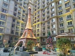 Gallery Cover Image of 1351 Sq.ft 2 BHK Apartment for buy in Kanakia Paris, Bandra East for 29500000