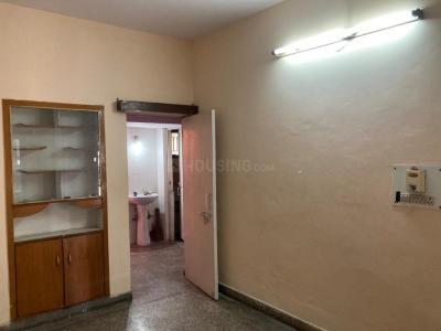 Gallery Cover Image of 540 Sq.ft 2 BHK Apartment for rent in Sri Sai Apartment, Block B2, Sector 71 for 10000