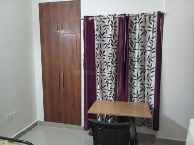Gallery Cover Image of 1000 Sq.ft 1 BHK Apartment for rent in Zeta I Greater Noida for 8500
