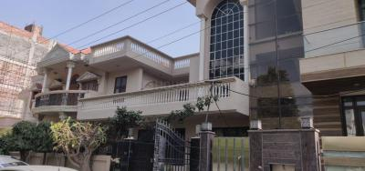 Gallery Cover Image of 2500 Sq.ft 3 BHK Independent House for buy in Unitech South City 1, Sector 41 for 40000000