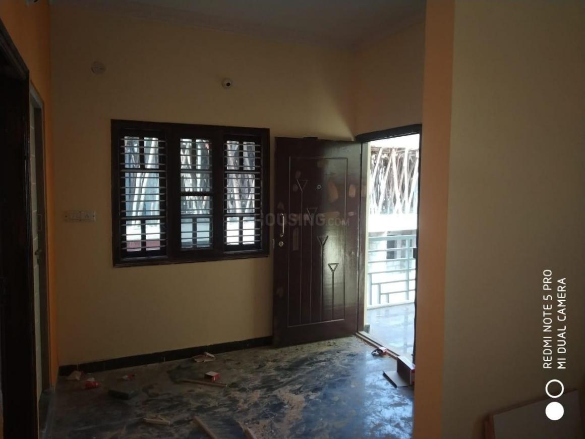 Living Room Image of 600 Sq.ft 1 BHK Apartment for rent in Mahadevapura for 12200