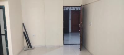 Gallery Cover Image of 575 Sq.ft 1 RK Apartment for rent in Kandivali East for 18000