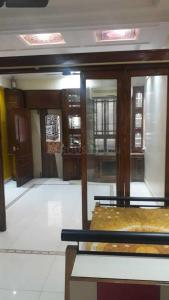 Gallery Cover Image of 430 Sq.ft 1 BHK Apartment for rent in Parel for 30000
