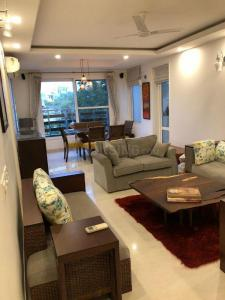 Gallery Cover Image of 1770 Sq.ft 2 BHK Apartment for rent in DLF Phase 3 for 90000