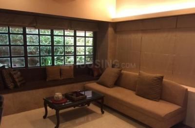 Gallery Cover Image of 3000 Sq.ft 4 BHK Independent House for rent in Juhu for 300000