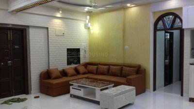 Gallery Cover Image of 700 Sq.ft 1 BHK Apartment for rent in Dadar East for 55000