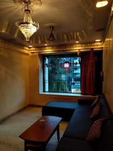 Gallery Cover Image of 765 Sq.ft 2 BHK Apartment for buy in Ganesh Tower, Thane West for 17500000