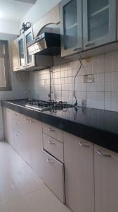 Gallery Cover Image of 1100 Sq.ft 2 BHK Apartment for rent in Evershine Grandeur, Malad West for 43000