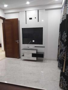 Gallery Cover Image of 1600 Sq.ft 2 BHK Independent Floor for buy in Vasundhara for 8600000