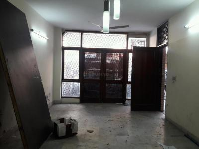 Gallery Cover Image of 1400 Sq.ft 3 BHK Independent Floor for rent in East Of Kailash for 40000