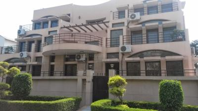 Gallery Cover Image of 911 Sq.ft 1 BHK Independent Floor for rent in Sector 14 for 16000