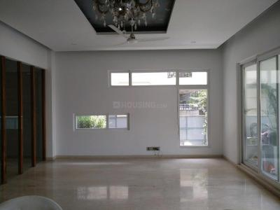Gallery Cover Image of 5000 Sq.ft 5 BHK Independent House for rent in DLF Phase 1 for 230000