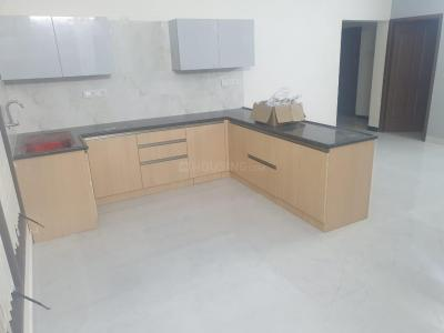 Gallery Cover Image of 3000 Sq.ft 3 BHK Apartment for rent in Palavakkam for 50000