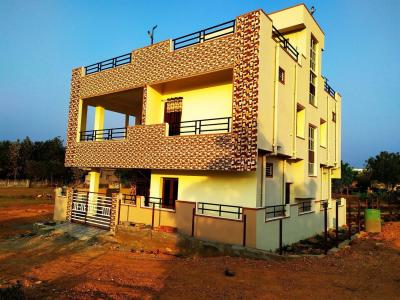 Gallery Cover Image of 3000 Sq.ft 3 BHK Independent House for buy in Narakoduru for 6600000