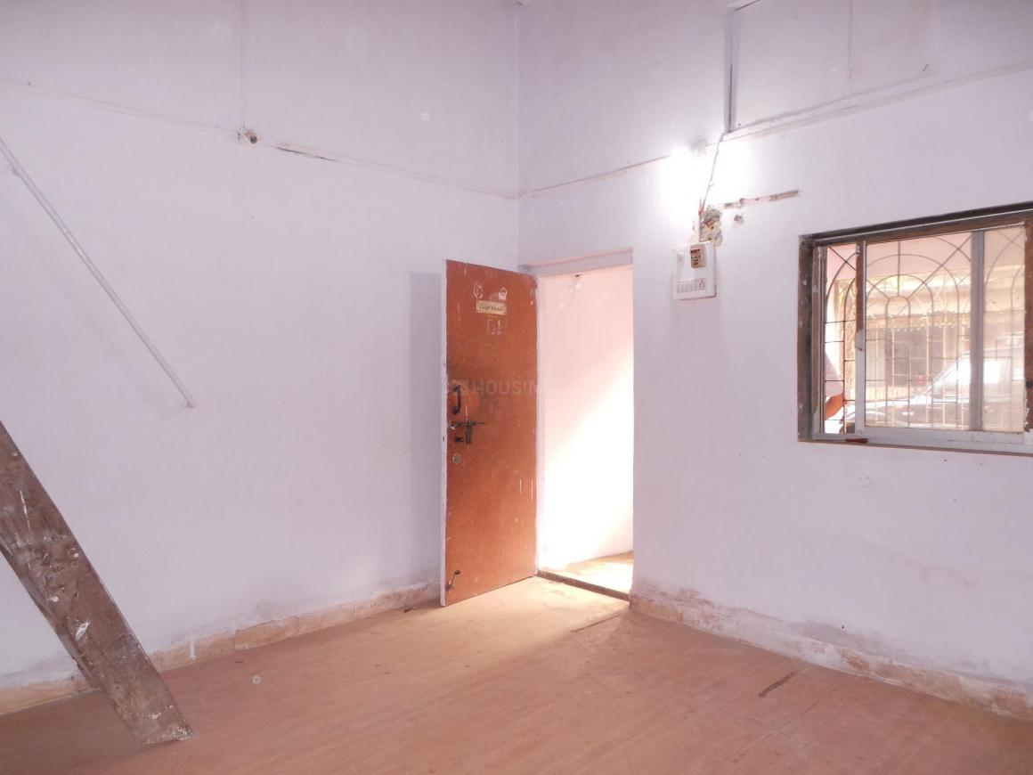 Living Room Image of 600 Sq.ft 2 BHK Independent House for buy in Kandivali West for 16500000
