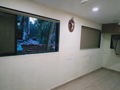 Gallery Cover Image of 400 Sq.ft 1 RK Apartment for rent in Vile Parle West for 25000