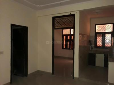 Gallery Cover Image of 800 Sq.ft 2 BHK Apartment for rent in Sector 72 for 11000