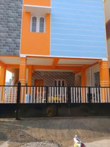 Gallery Cover Image of 1200 Sq.ft 1 BHK Independent Floor for buy in Keelakattalai for 6000000